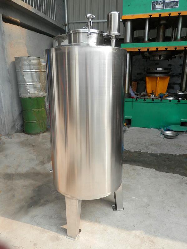 不锈钢水罐材质为304或316的不锈钢储水箱